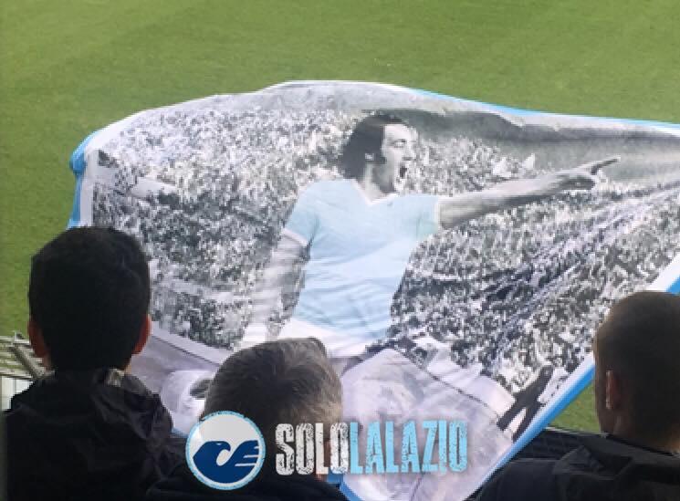 Lazio, la bandiera di Chinaglia
