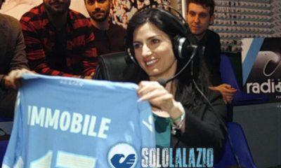 Lazio, Virginia Raggi con maglia Immobile