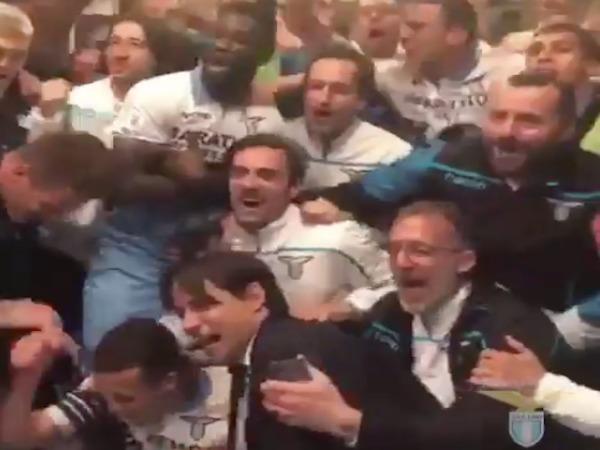 Milan-Lazio, festa spogliatoi