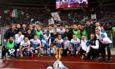 Lazio, giro di campo con la Coppa Italia