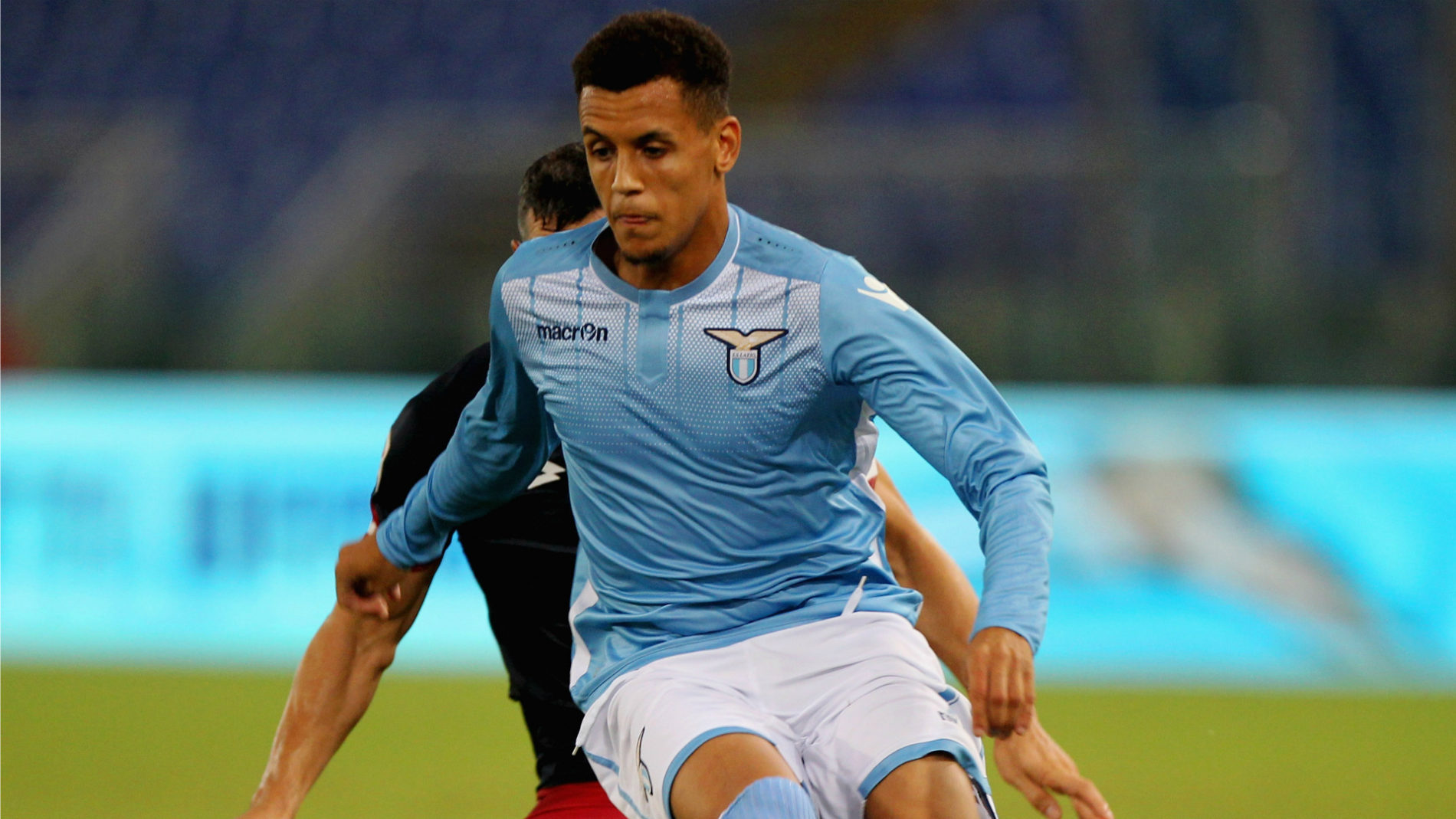 Il centrocampista inglese ex Lazio