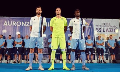 Francesco Acerbi e Caicedo con la maglia Away: il loro orgoglio