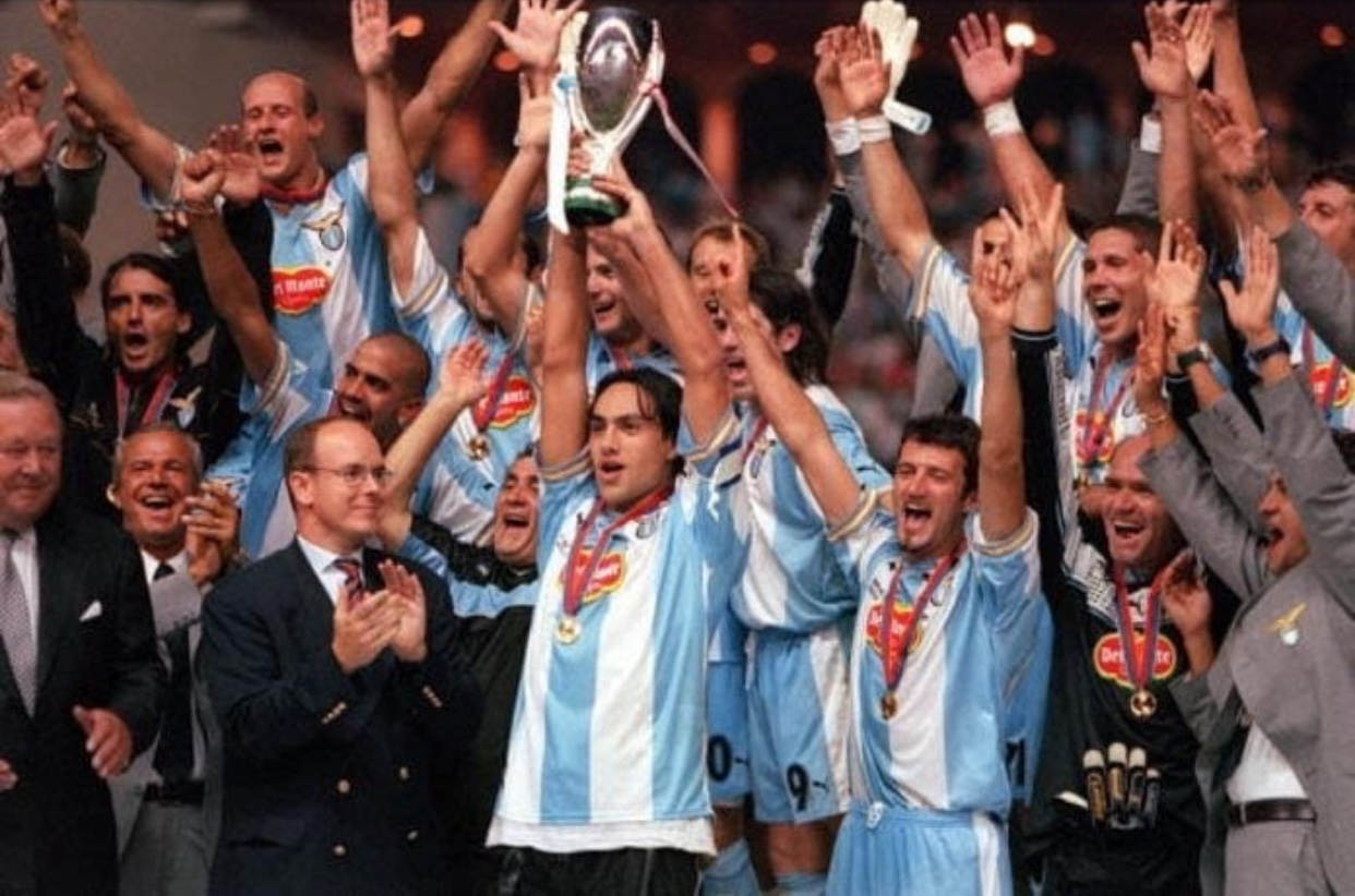 20 anni la Lazio batteva i Red Devils e vinceva la Supercoppa Europa