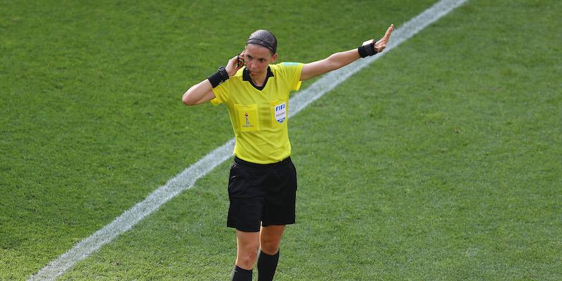 Supercoppa UEFA, prima volta nella storia: arbitrerà una donna