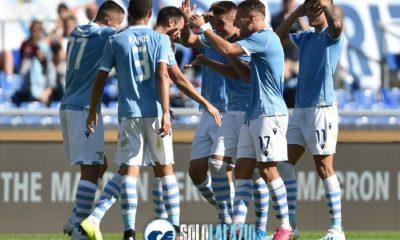 Lazio - Genoa, esultanza squadra gol Radu