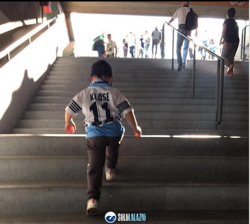 Lazio, piccoli tifosi allo stadio