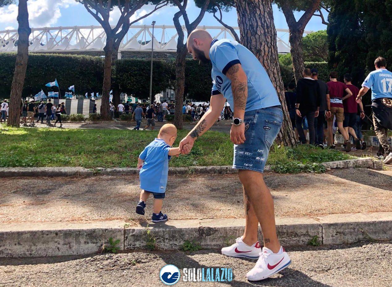 Lazio - Genoa, i piccoli tifosi allo stadio 1