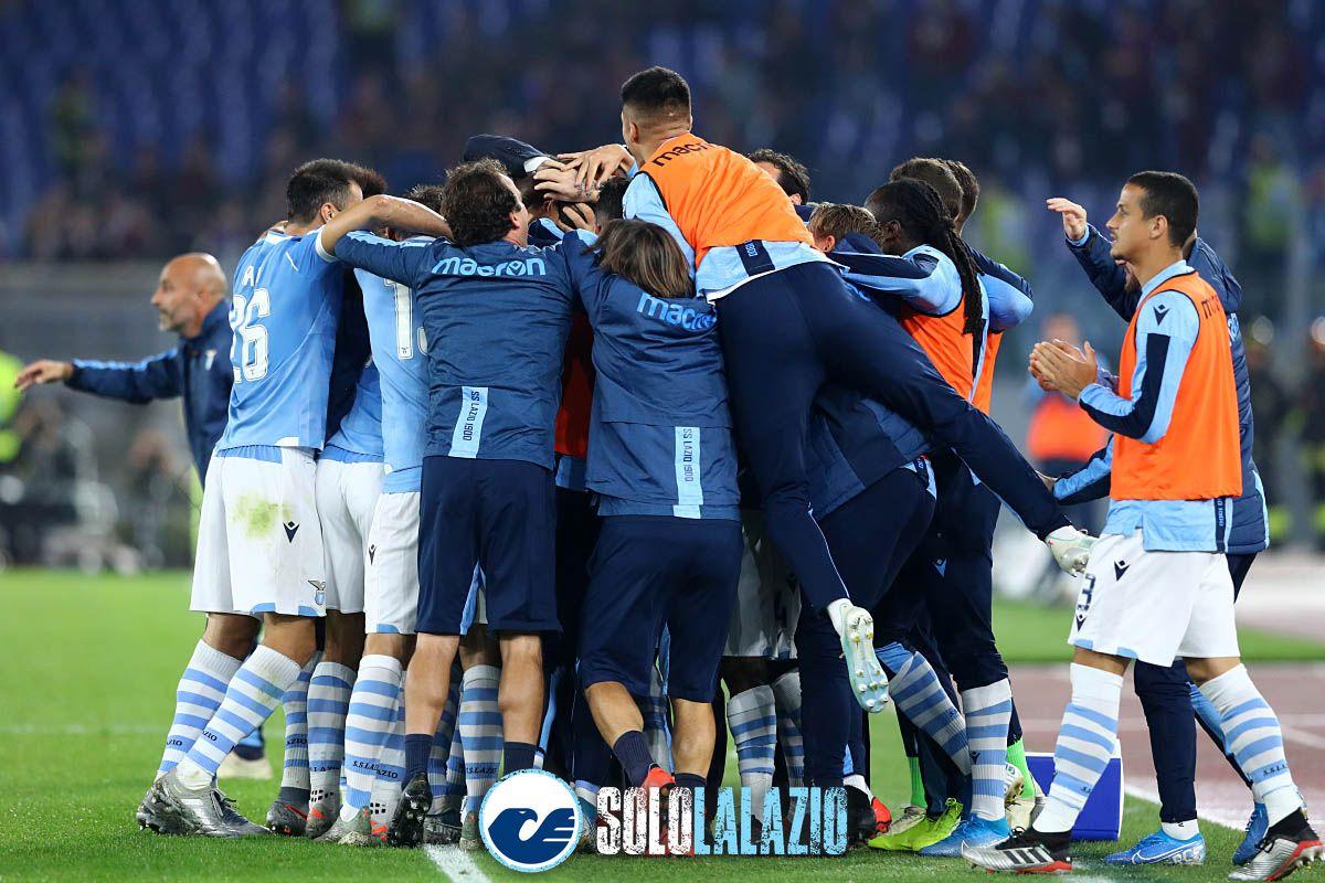 Lazio - Torino, l'esultanza al gol di Acerbi 3
