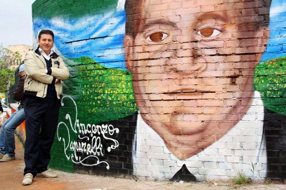 Gabriele Paparelli e il murale s del