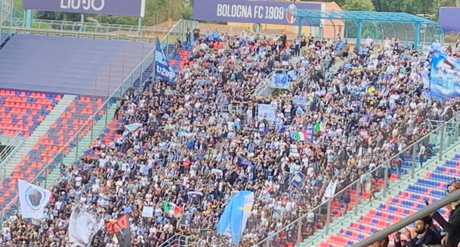 Bologna - Lazio, la scritta per Mihajlovic nel settore biancoceleste