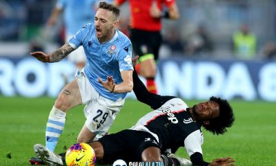 Lazio - Juventus, fallo Cuadrado su Lazzari