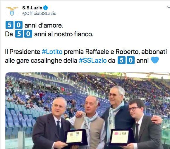 Lazio - Udinese, targa per due abbonati da 50 anni