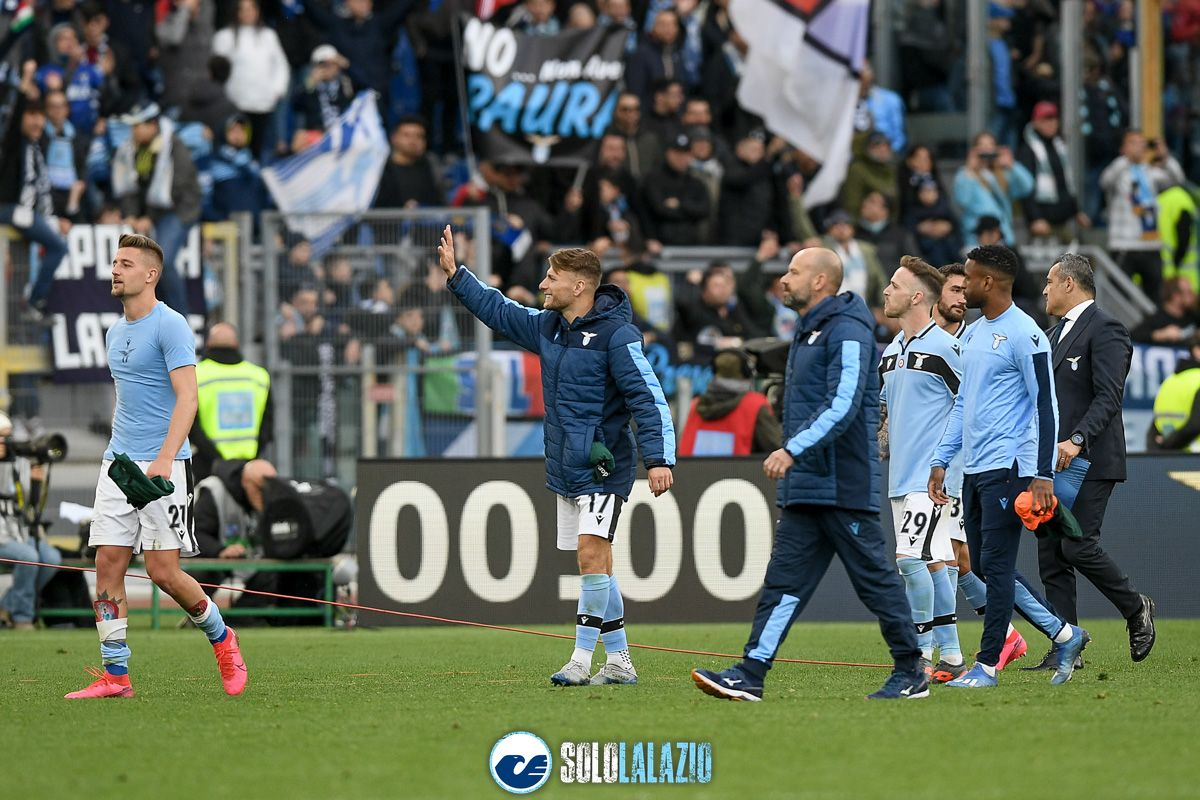 Lazio - Bologna, esultanza squadra