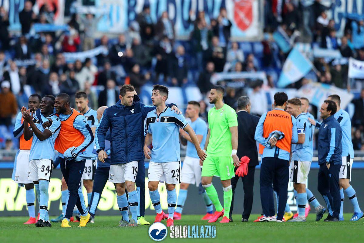 Lazio - Spal, esultanza squadra